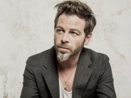 Picture of French singer Christophe Mae